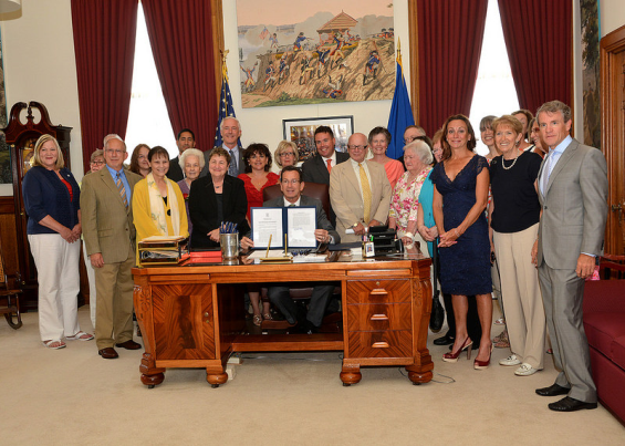 Governor Malloy Signing PA 14-133